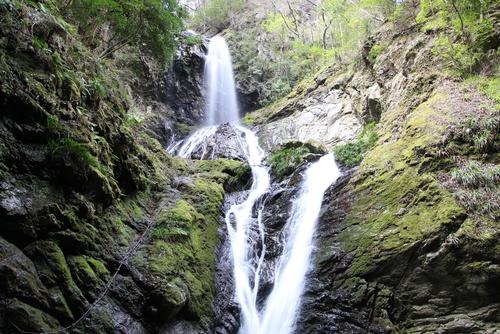 雨乞の滝(徳島県神山町)