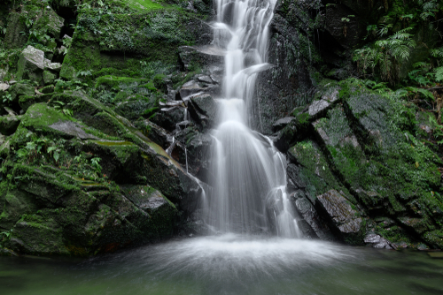 鶯の滝(奈良県奈良市)