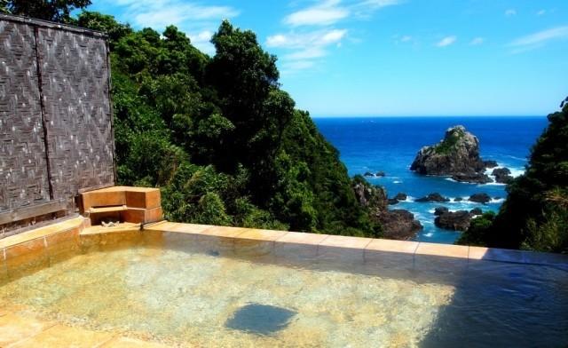 リゾート大島の露天風呂