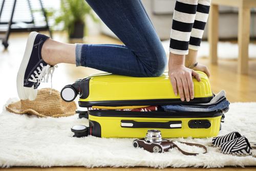 スーツケースが閉まらない