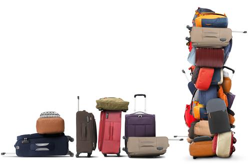 スーツケースの山