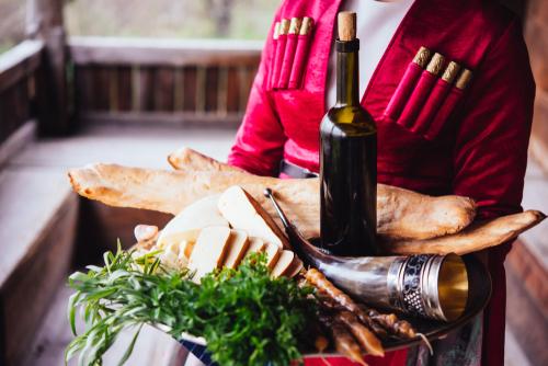 ジョージアワインと女性